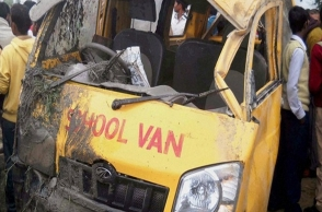 Lorry rams school bus, at least 15 students injured