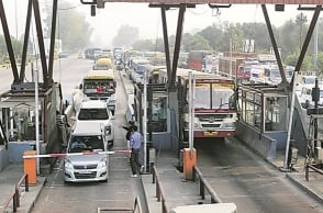 Madras HC: Should not collect toll fee if six vehicles wait at a time
