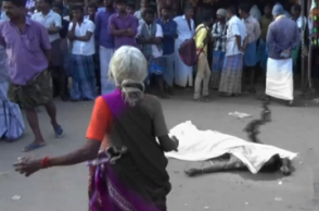 Man slits wife's throat, kills her in the middle of road