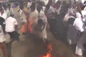 Shelter roof of Mannargudi AIADMK office set on fire