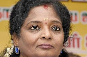 Tamilisai's heart-touching gesture for a commoner