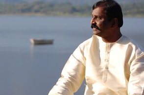 """Now the lions are united"": Vairamuthu's fierce speech"