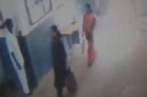 Video of Sasikala, Illavarasi going out of Bengaluru jail emerges