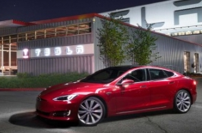 Tesla electric car 1st to travel 1000 km on one charge: Musk