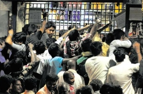 TN asks Madras HC to modify order on liquor shops