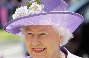 UK Queen Elizabeth to resign from throne aged 95: Reports
