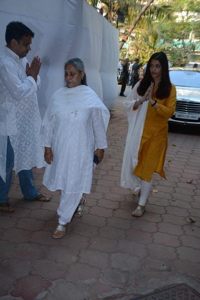 Aishwarya Rai (aka) AishwaryaRaiBachchan
