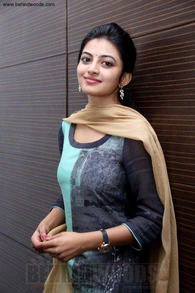 Anandhi (aka) Anandhii
