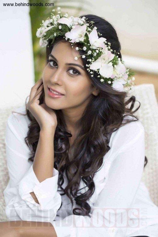 Chandini Tamilarasan (aka) ChandiniTamilarasan
