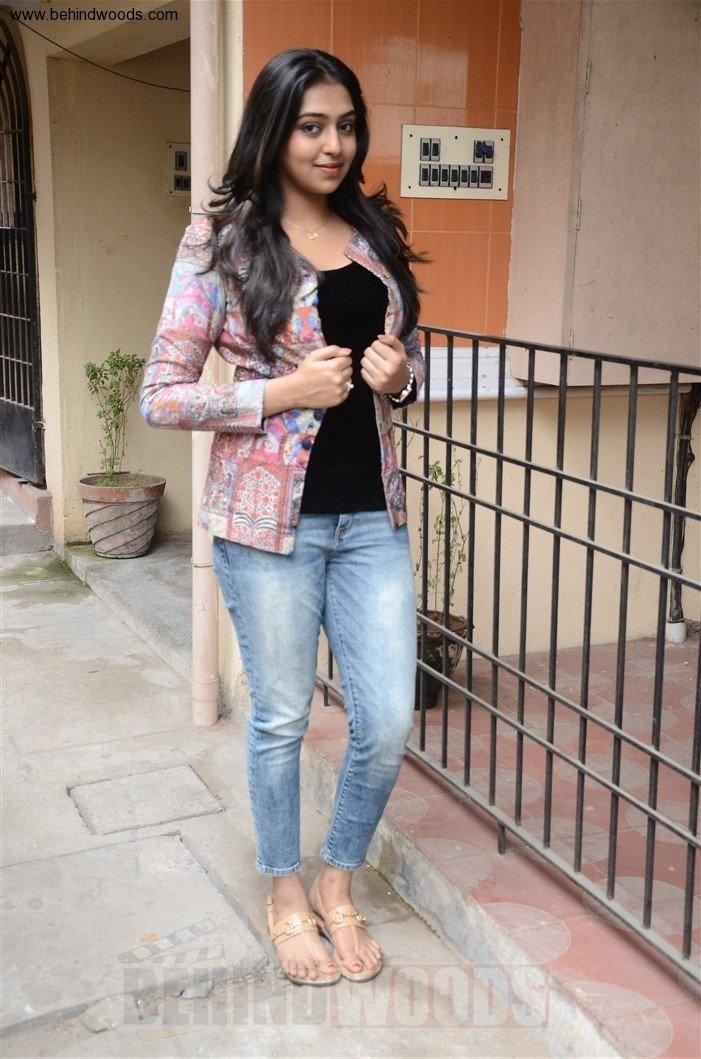 Lakshmi Menon (aka) Actress Lakshmi Menon