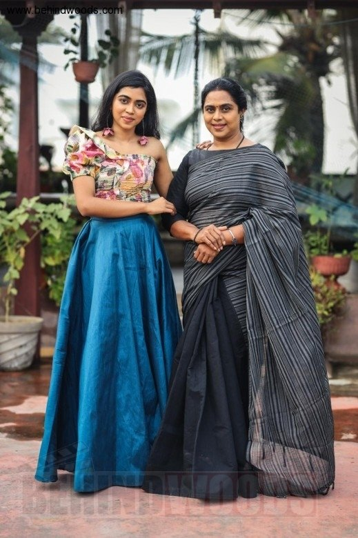 Lovelyn Chandrasekhar (aka) Lovelyn Chandrasekharr