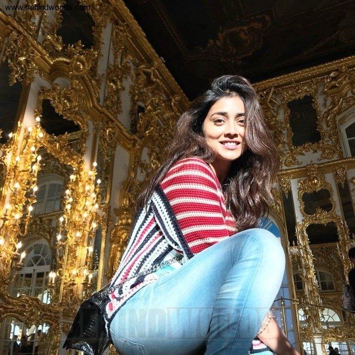 Shriya Saran (aka) Actress Shriya