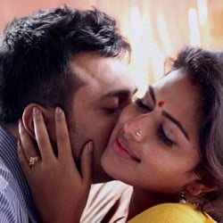 Amala Paul's experience about romancing with Bobby Simha in Thiruttu Payale 2