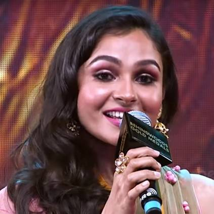 Andrea's reaction to her AV at Behindwoods Gold Medals 2018