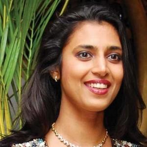 வங்கதேசம் தோல்வியை 'பாம்பு டான்ஸ்' ஆடி கொண்டாடிய நடிகை... வீடியோ இதோ!