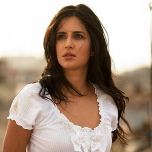 Katrina says director to be blamed for movie's delay and not her breakup!