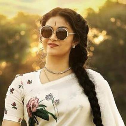 Keerthy Suresh to make a debut in Bollywood