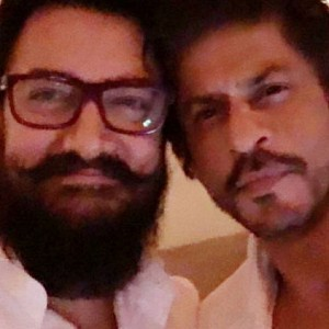 Friendship day: SRK's friendship gesture towards Aamir Khan. Check details