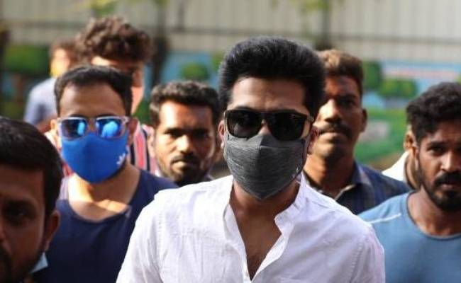 Simbu mass entry at voting booth Stunned fans react