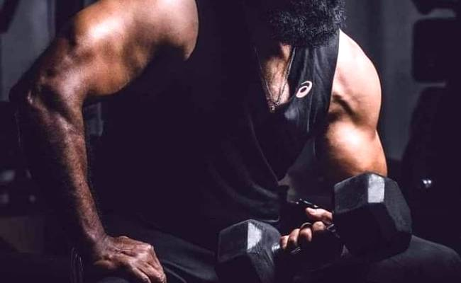 This 66-year old Kollywood actor turns on his beast mode; pic go viral ft Sarath Kumar