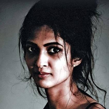 Thumba actress Keerthi Pandian plays Kiss Me Hug Me Slap Me with VJ Nikki