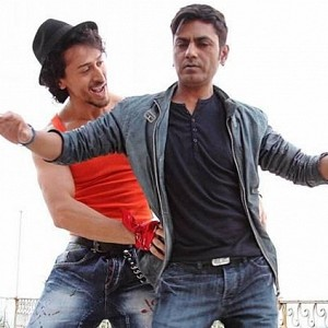 Laughter guaranteed: Nawazuddin is just like us in his latest dance moves