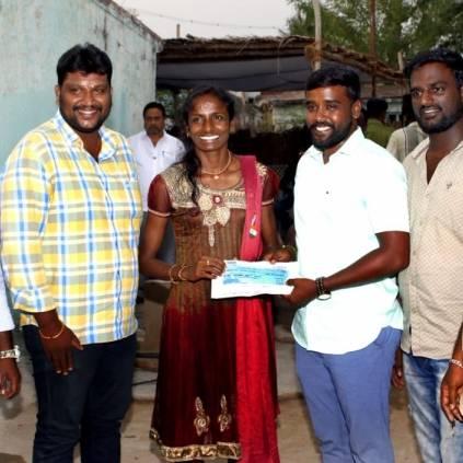 Vijay Sethupathi gifts Rs.5 lakhs to Gomathi Marimuthu