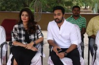 Sneha & Prasanna play 'Just cricket' with Chennai 28 team