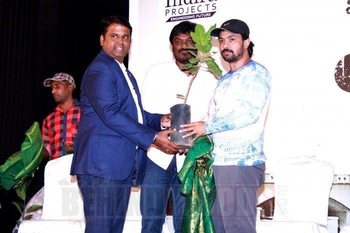 Uyir Kodu Kaveri Album Launch