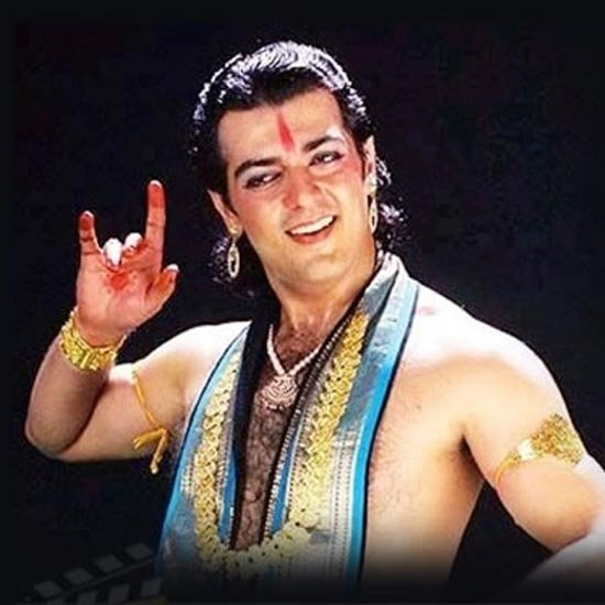Taking up an effeminate role at the peak of mass hero image