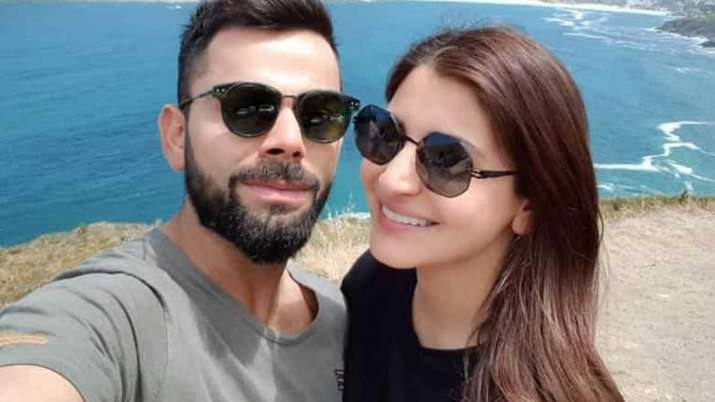virat kohli ask anushka sharma if she has eaten in cskvsrcb match