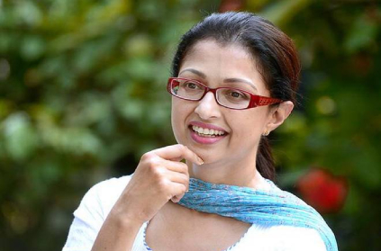Mysterious person jumped the wall of actress Gautami's house