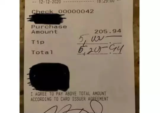 customer gives 5000 dollars tips to restaurant staff viral