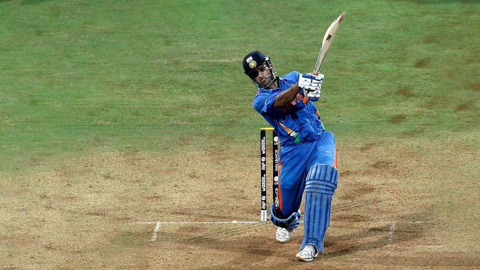 dhoni wants me to get hundred in wc final says gautam gambhir