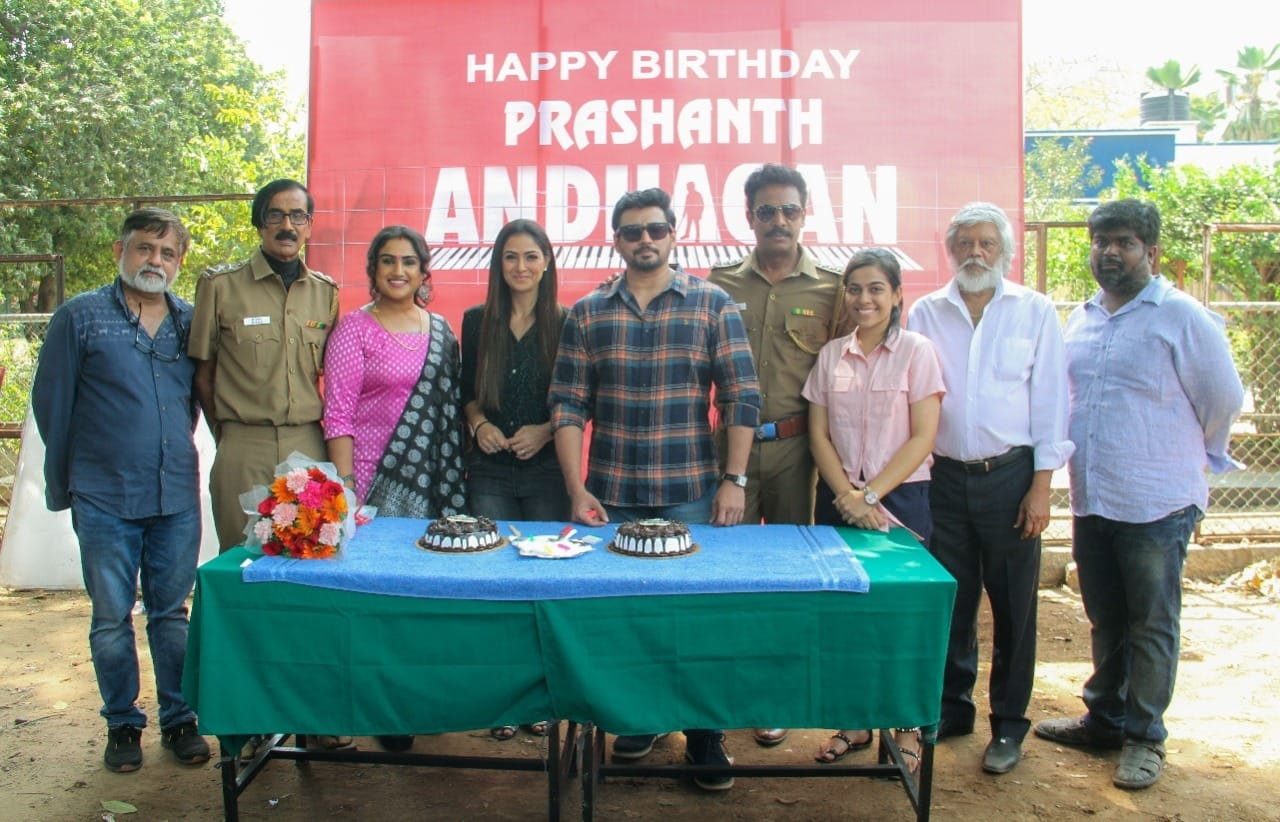 Prashanth Simran celebrate birthdays on Andhagan sets