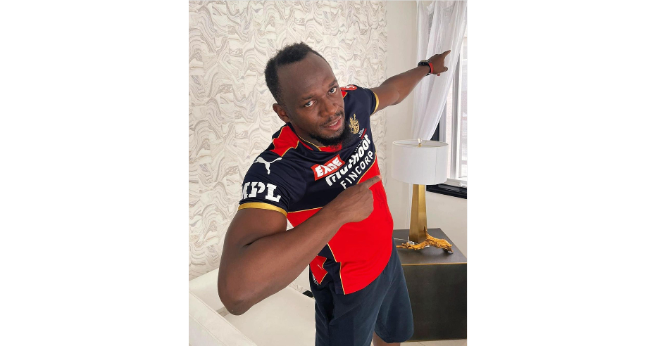 Usain Bolt dons RCB jersey to support Bangalore