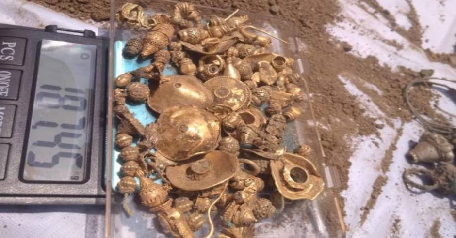 Gold and silver ornaments found buried in Telangana