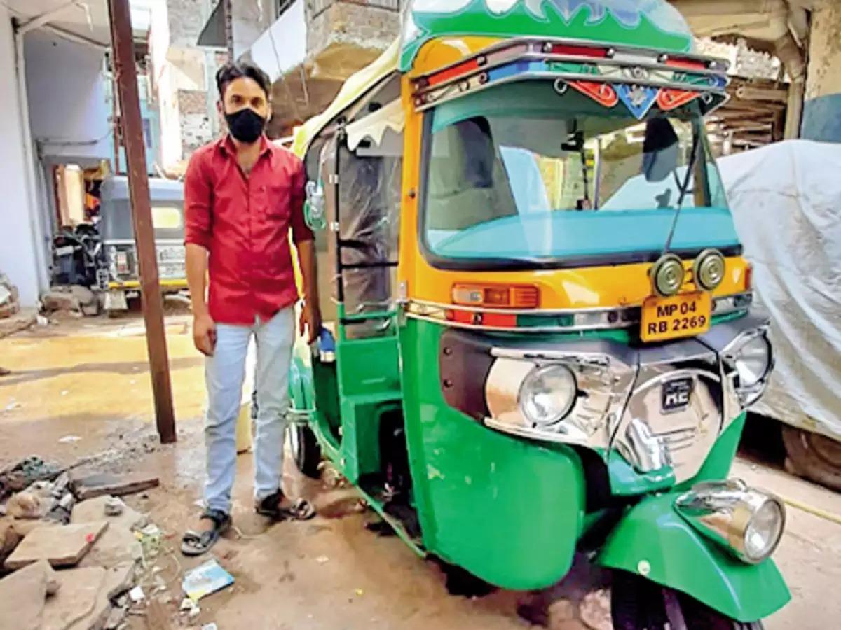 Bhopal Driver Turns Auto into Covid Ambulance