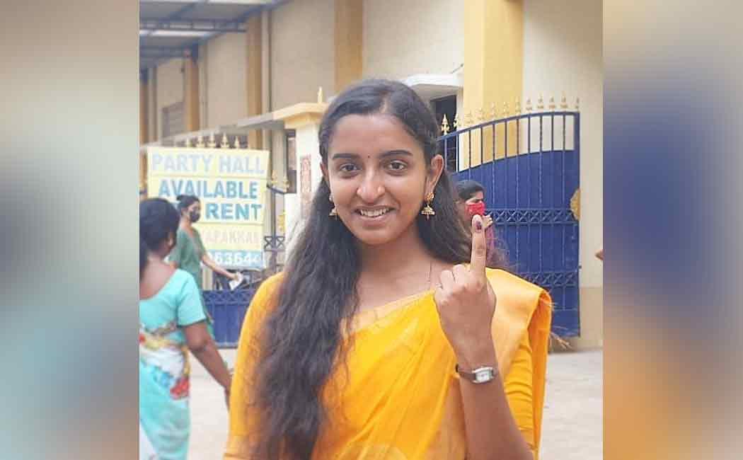 Ex-MNM member Padma Priya Joined DMK in the presence of MK Stalin
